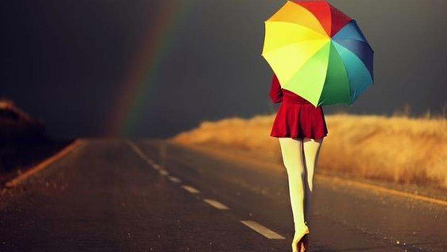 Чем порадовать себя в дождливую погоду? Радужным зонтом!